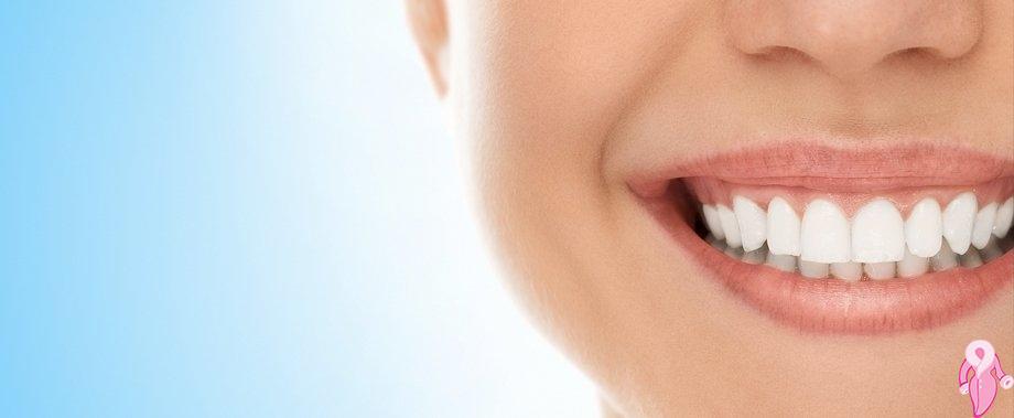 Bitkisel Yöntemlerle Diş Eti Peelingi Nasıl Yapılır?