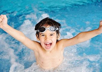 Havuza girerken göz sağlığı için alınacak önlemler