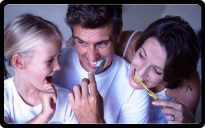 Yemekten Sonra Dişlerinizi Fırçalamayın